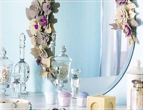 Espelho decorado morando sozinha for Manualidades para decorar espejos