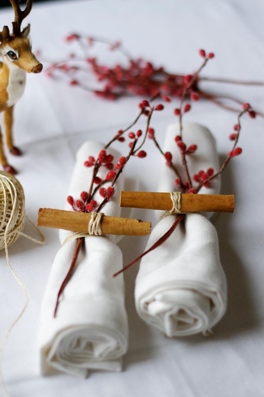 Christmas napkins cinnamon stick berry branch twine reindeer lattelisa blog