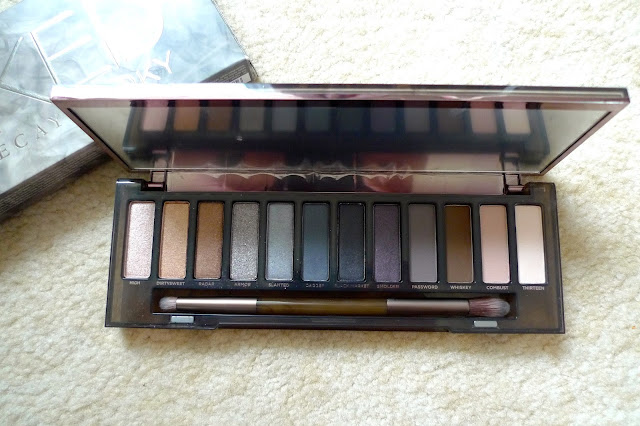 october favourites urban decay naked smoky eyeshadow palette