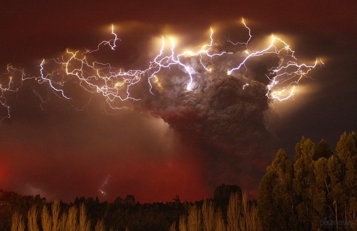 http://1.bp.blogspot.com/-CzOKhfQkgko/T99uSBQEaFI/AAAAAAAADUM/gw5JNRMO6bM/s1600/Chile+volcano+2.bmp