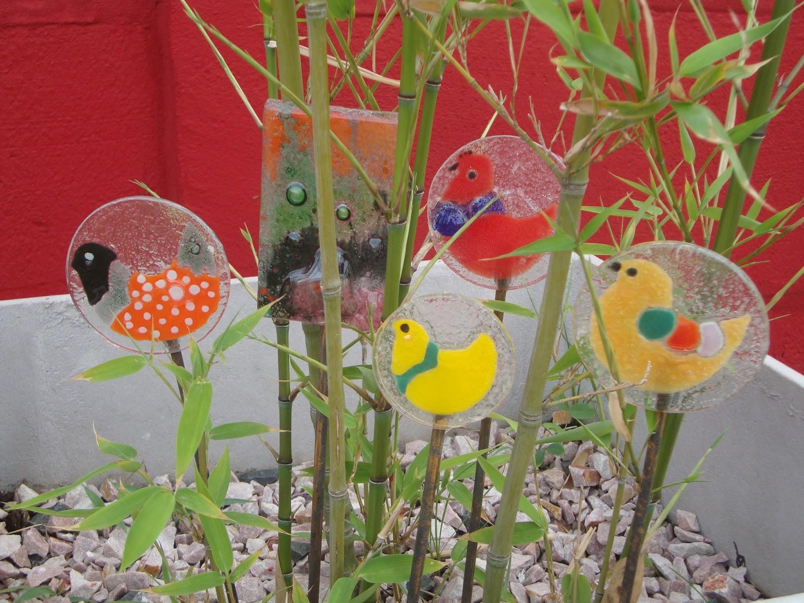 Bergiasvitro vitrofusion tutores para macetas jardin for Animales de plastico para jardin