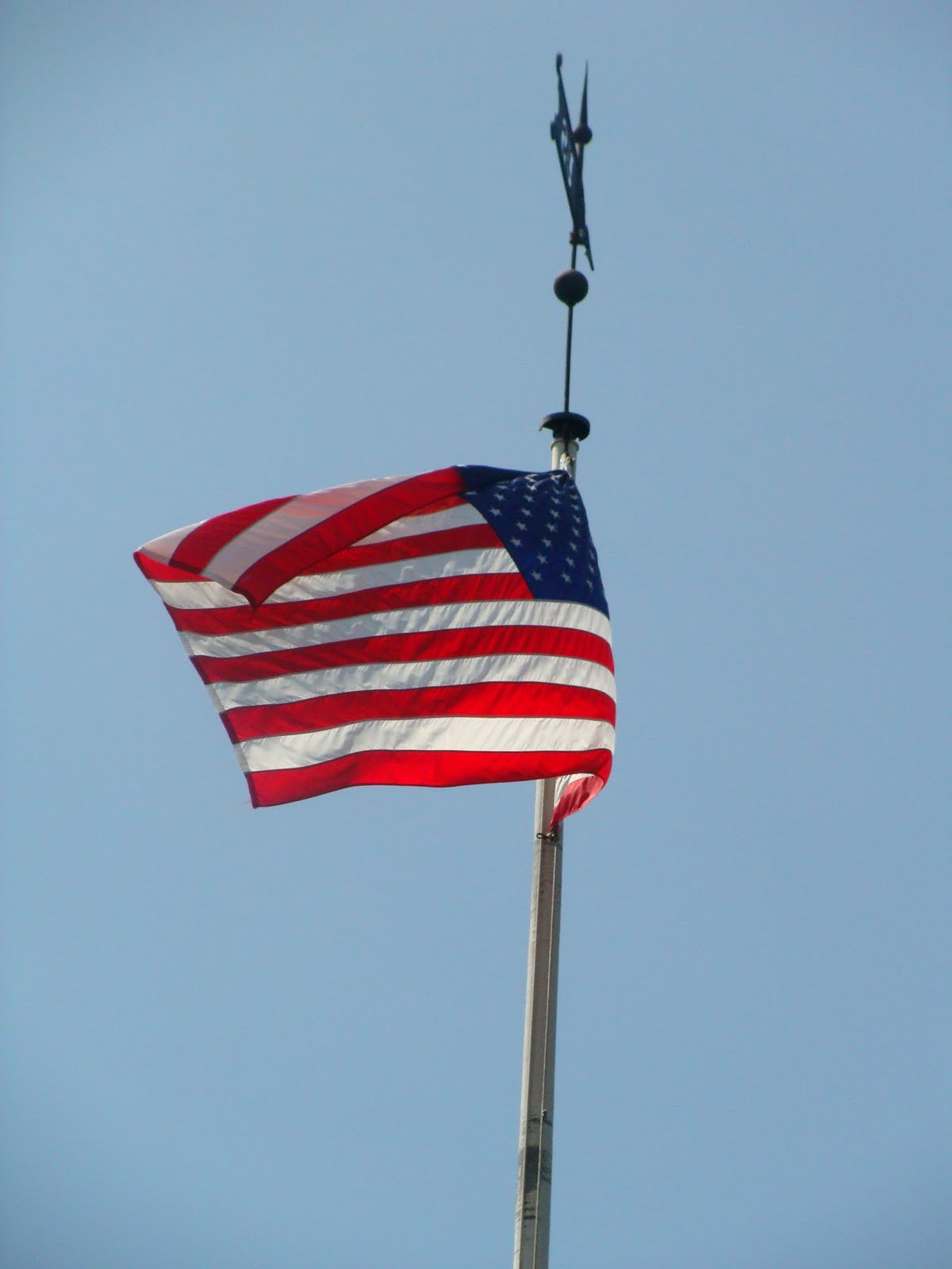 A bona fide life memorial day flag placement for Proper placement of american flag