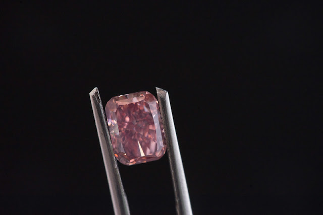 cushion cut diamond fancy color loose