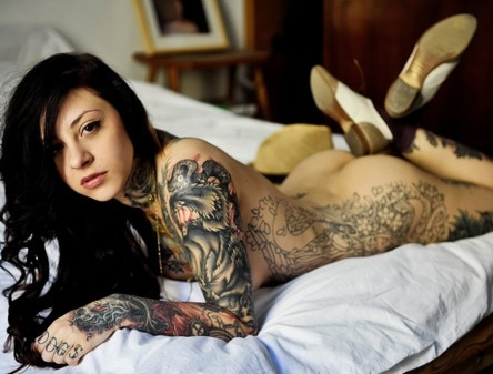 Naked chick with tats