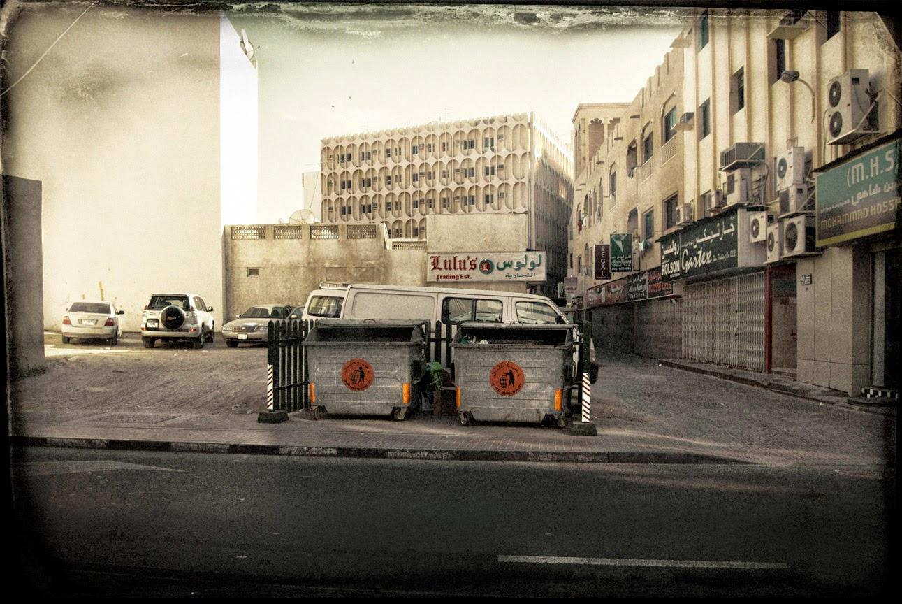 Al Satwa-street-dubai-garbage