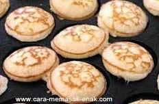 resep praktis dan mudah membuat (memasak) makanan khas belanda (negeri kincir angin) kue poffertjes spesial enak, legit, lezat