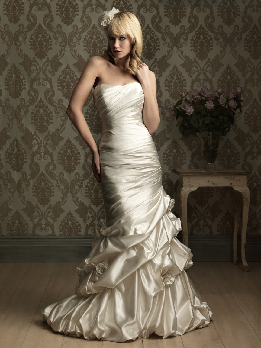 blog for dress shopping wear tight fitting wedding gowns