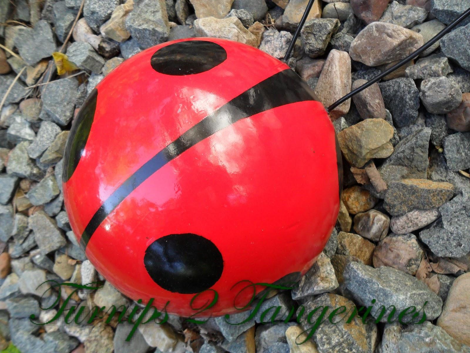 TENDENCIA: El arte de la bola de bolos proporciona la decoración caprichosa | Estilos de vida locales | siouxcityjournal.com