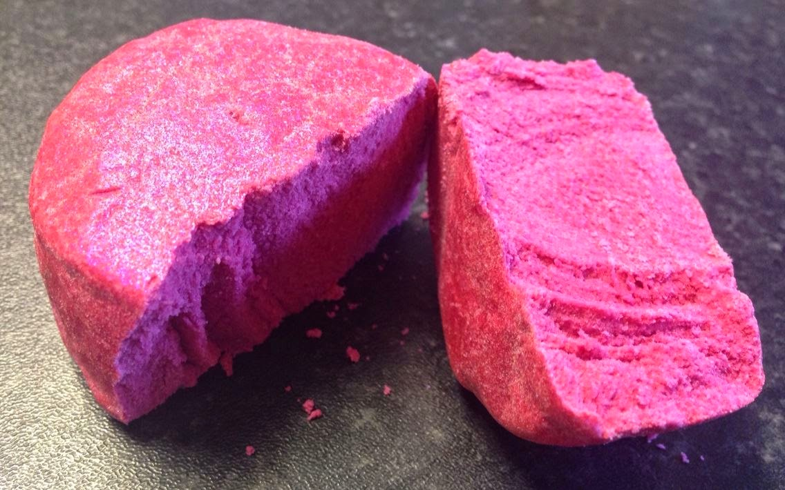 All Things Lush UK: Flosty Gritter Bubble Bar