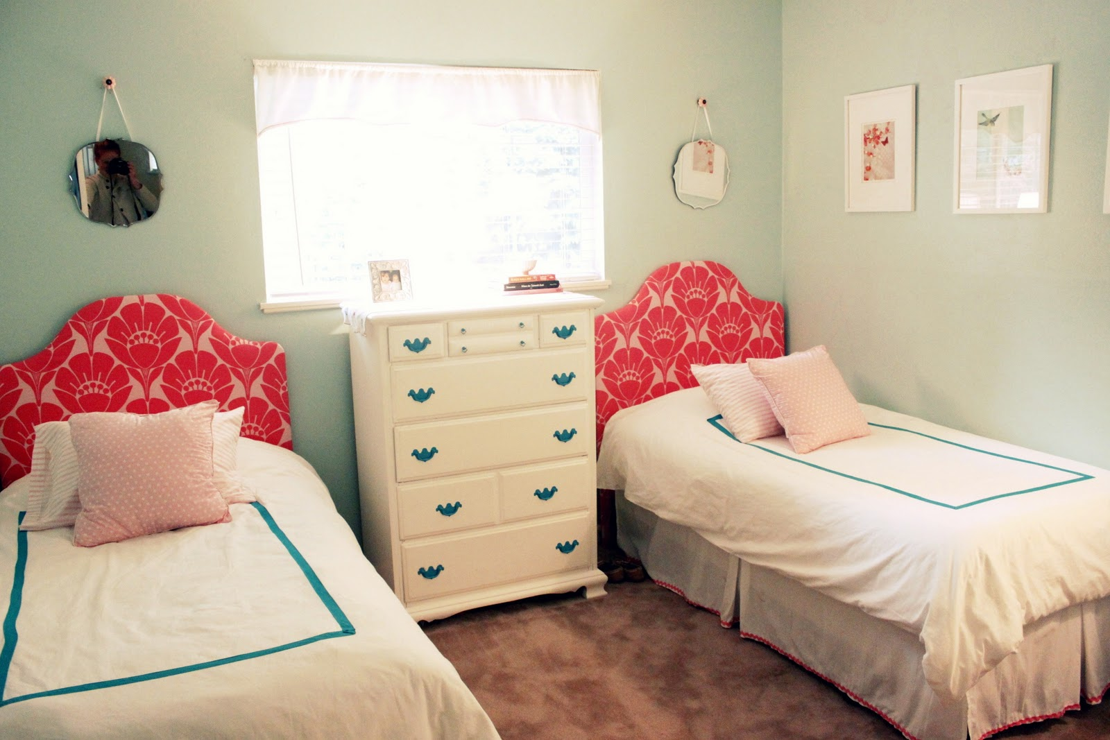 Cosmosinchaos girls room makeover part 2 for Small room with two beds