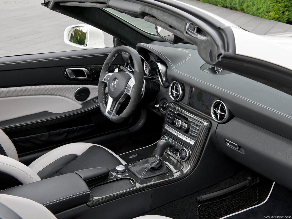 http://1.bp.blogspot.com/-D-ik4iG82SU/T-rtjkTl0RI/AAAAAAAAHg0/JC0fol2_y0A/s1600/Mercedes-Benz-SLK55_AMG_2012_1024x768_wallpaper_27.jpg