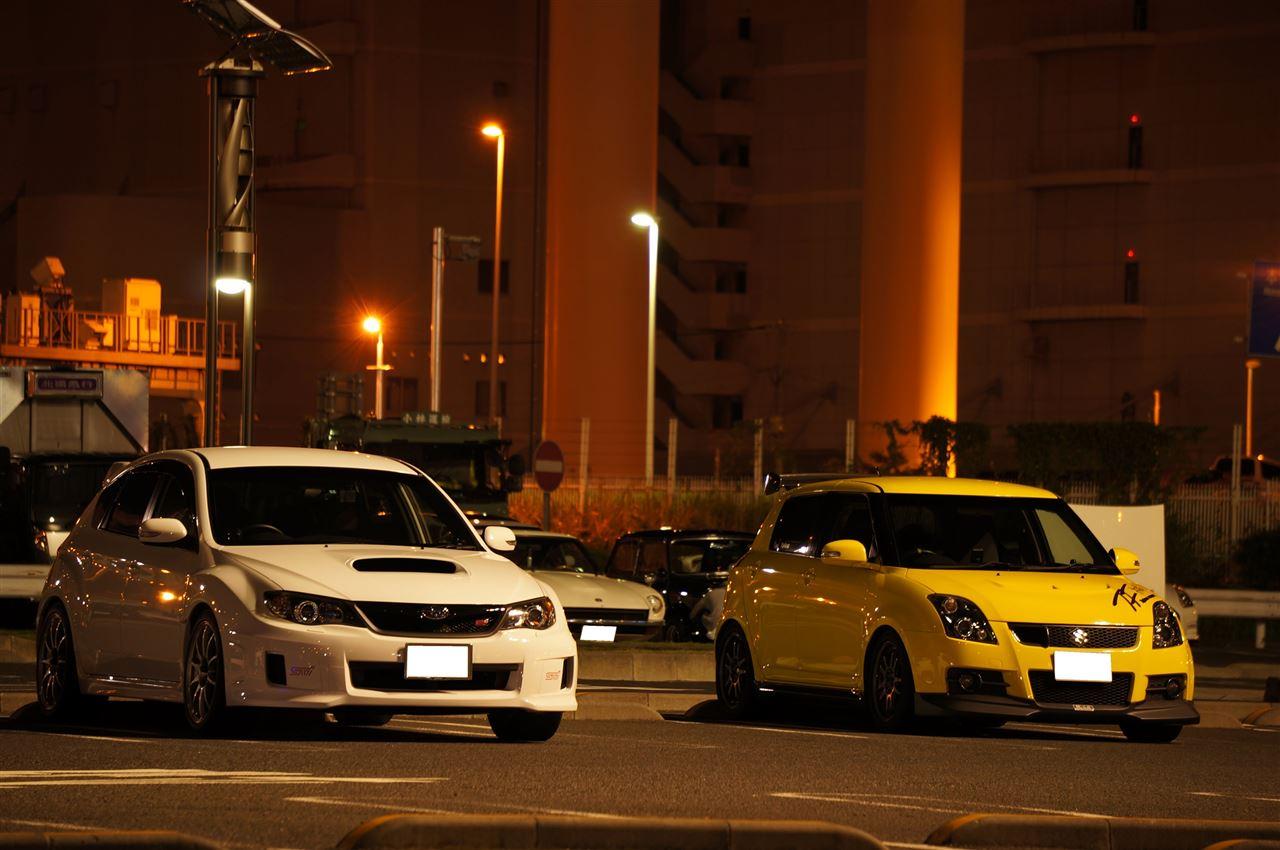 Subaru Impreza, Suzuki Swift III, japońskie samochody, zdjęcia w nocy, jdm, tuning