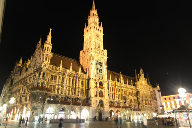 New Town Hall is situated in the popular shopping square of Marienplatz (St Mary Square) in Munich, Germany