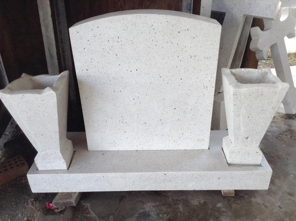 Vendemos lapidas en granito monumentos tumbas funebres for Cuanto cuesta el granito para cocina