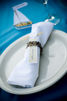 Daisy Place Card and Shell Napkin Ring