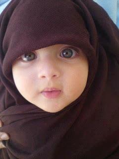 Gambar bayi lucu muslim cantik berkerudung