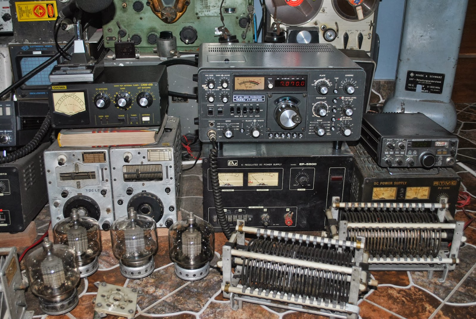 Restorasi electronic tubes my old radio station qrp for Classic house radio station
