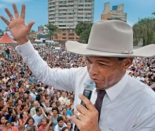 Valdemiro Santiago promove oração pelos perseguidores