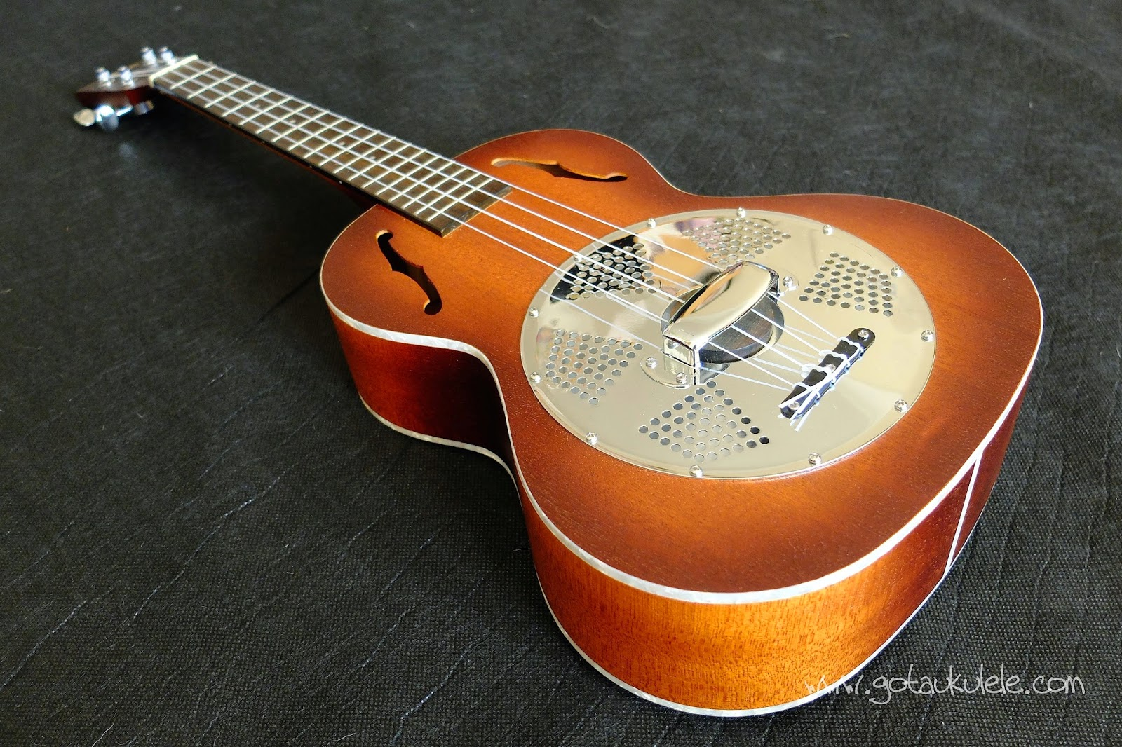 Kala KA-RES- CHR Tenor Resonator ukulele