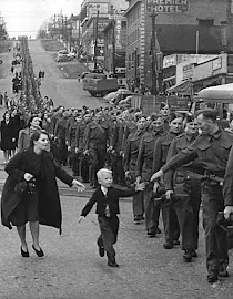 """WAIT FOR ME DADDY"" - ""ESPERA POR MÍ, PAPÁ"" (01/10/1940). Segunda Guerra Mundial."