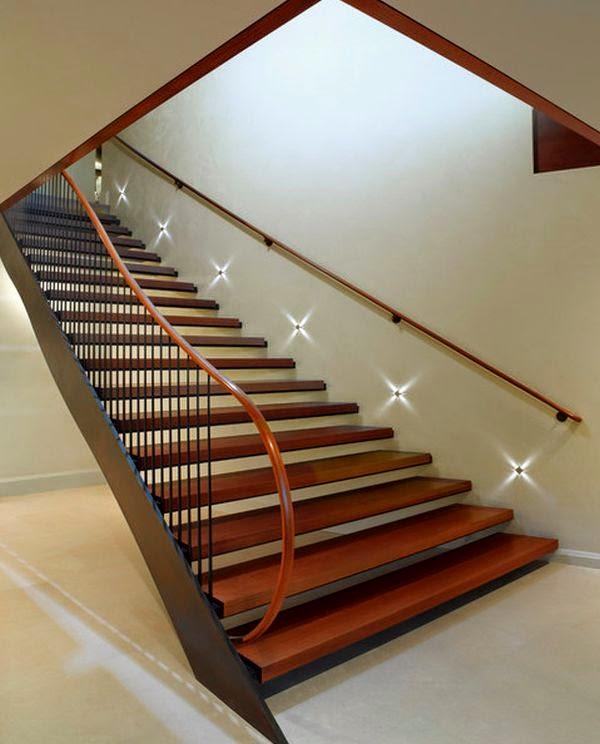 conseils d co et relooking l 39 clairage de l 39 escalier d 39 int rieur s curit dans l 39 obscurit. Black Bedroom Furniture Sets. Home Design Ideas