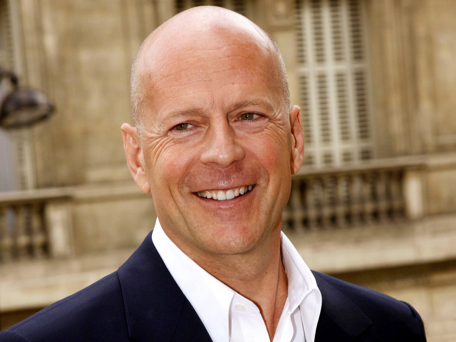 Bruce Willis Biography ~ All in One Bruce Willis