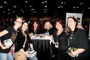 Sherrilyn Kenyon, Dianna Love and the girls at ComicCon NY
