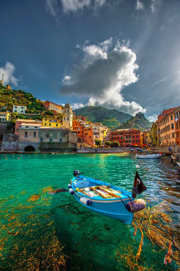 Beautiful Views Of Vernazza Cinque Terre Italy
