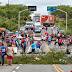 População do Distrito de Caio Prado fecha CE-060 em protesto contra a falta de segurança