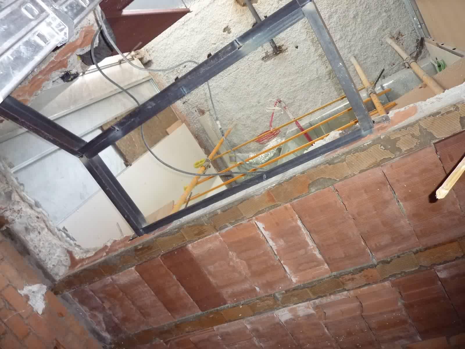 1001 stradivarius av espa a c ceres visita 12 de marzo - Escaleras de techo ...