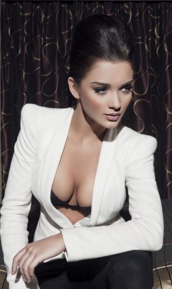Amy Jackson Hot Stills
