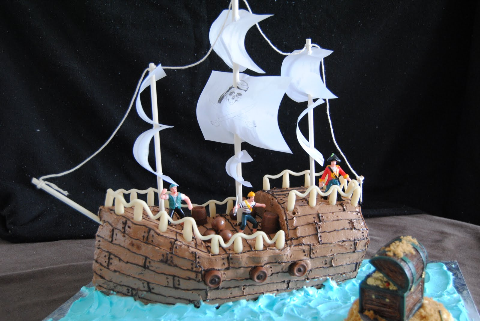 French Kiss Cook Pirate Ship