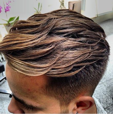model rambut pompadour pria terbaru