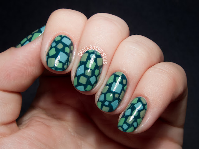 Animal Crossing grass pattern nail art via @chalkboardnails