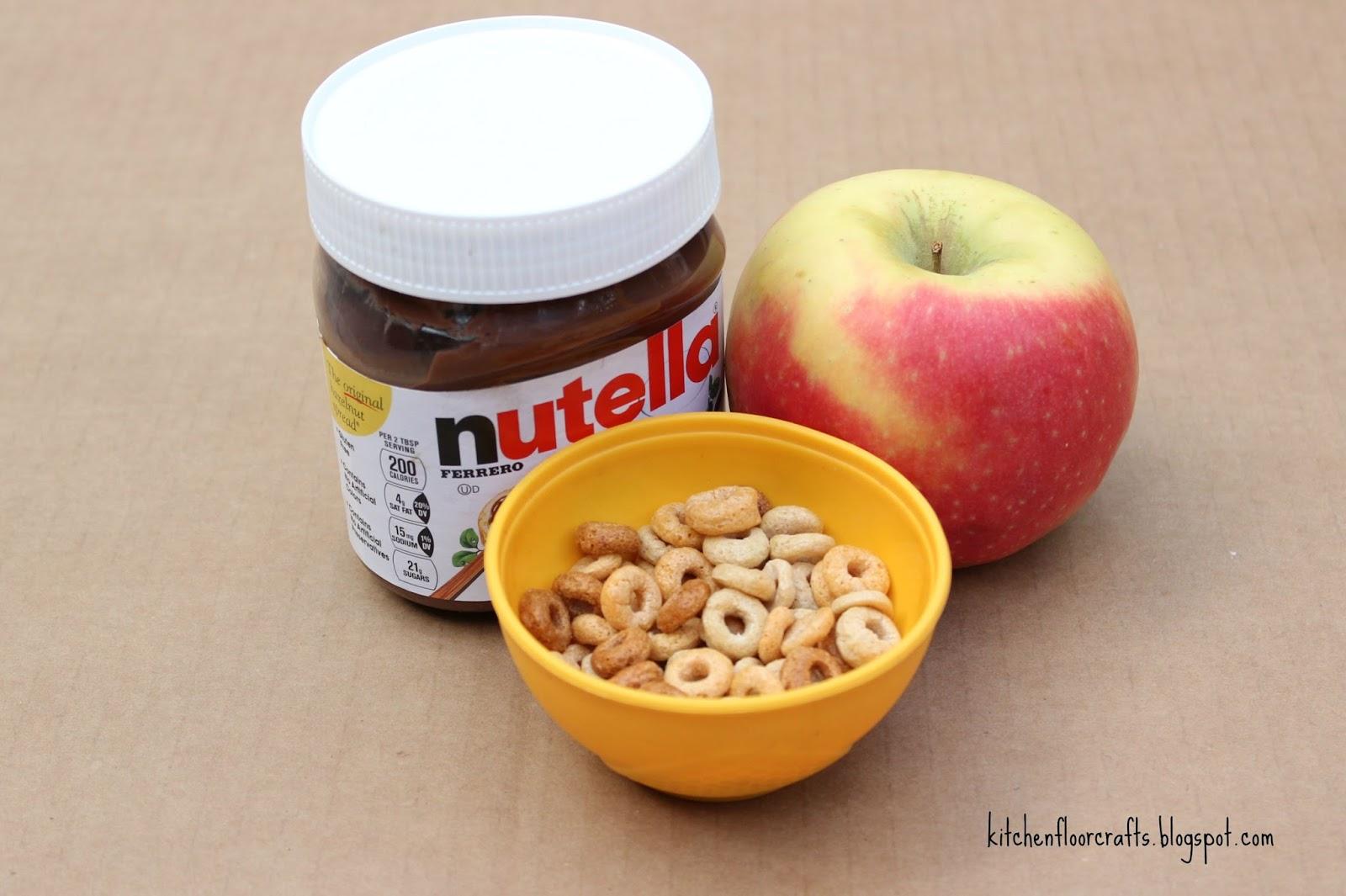 Kitchen Floor Crafts: Apple Nutella Blossom Snack