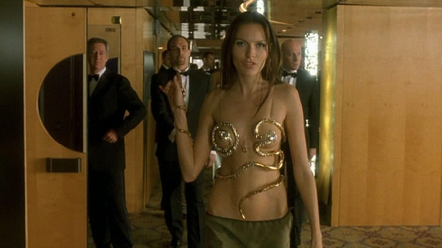 Femme Fatale Veronica  movieloversreviews.blogspot.com