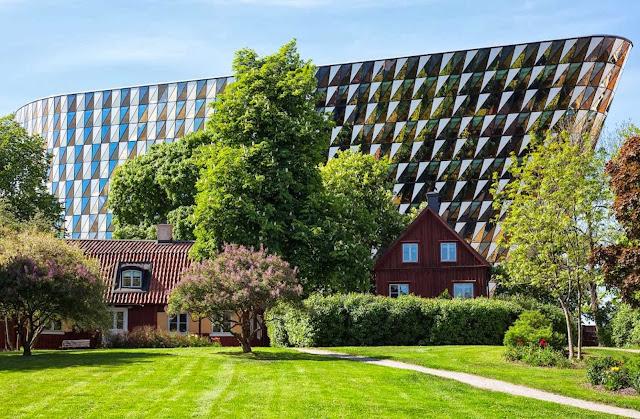 02-Karolinska-Institutet-Aula-Medica-by-Wingårdh-Architects
