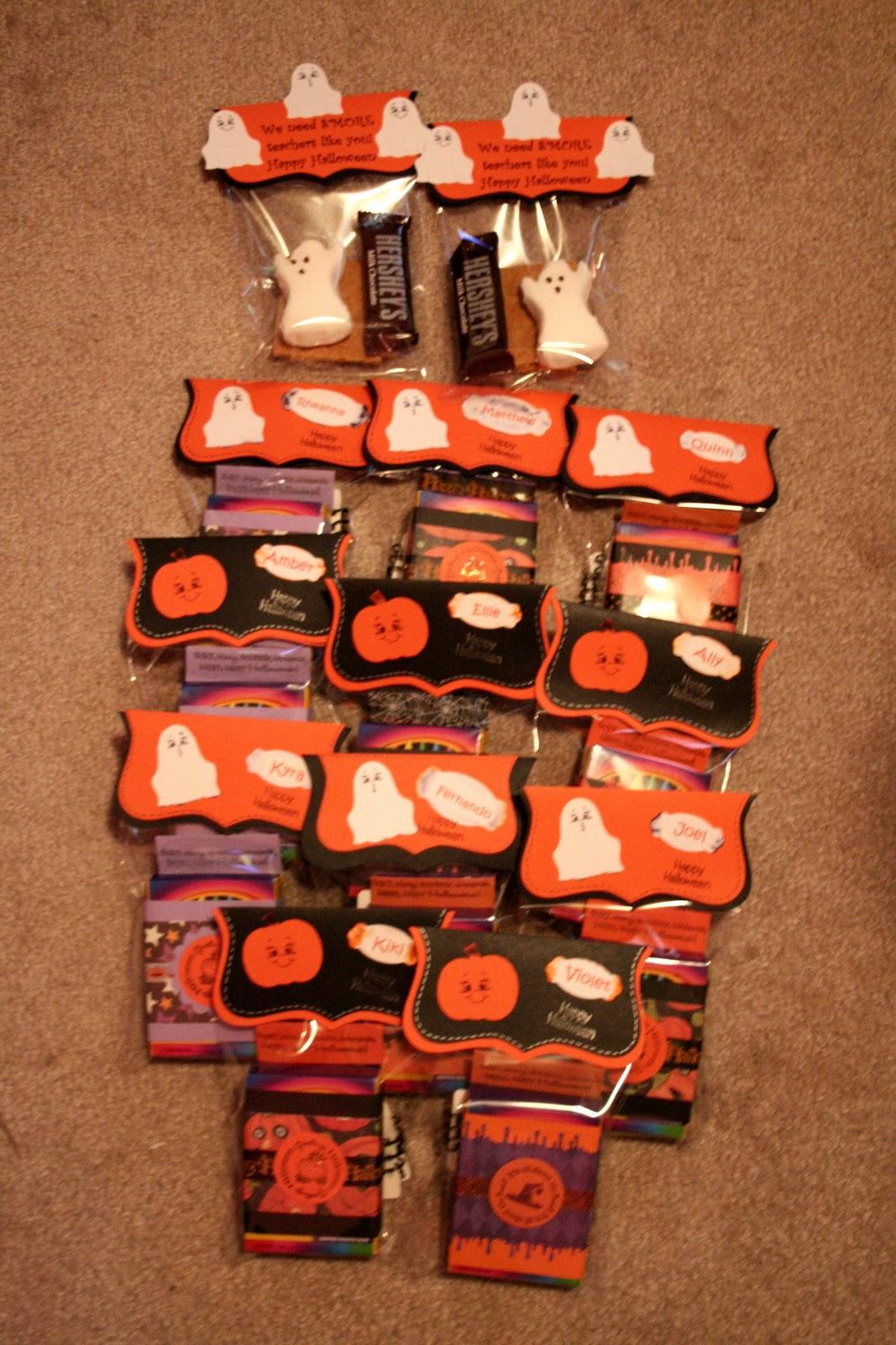 workinscrappinmomof4 halloween goodie bags for preschoolers and teachers