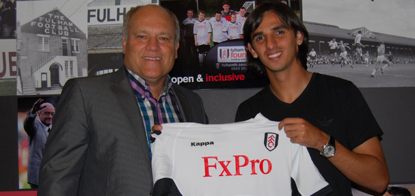 Costa Rican Bryan Ruiz signs for Fulham after Newcastle coup.