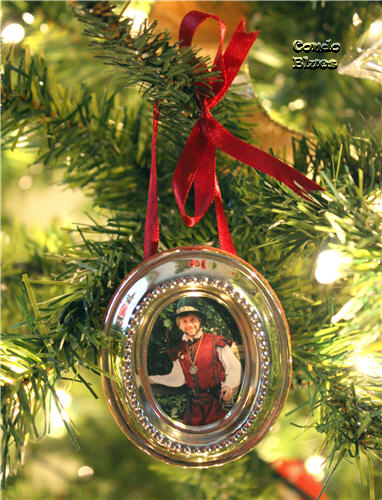 ... frame ornaments and put photos of Husband and I as our Renaissance  festival characters because we needed more ornaments to fill the tree at  the time. - Condo Blues: Renaissance Christmas Tree