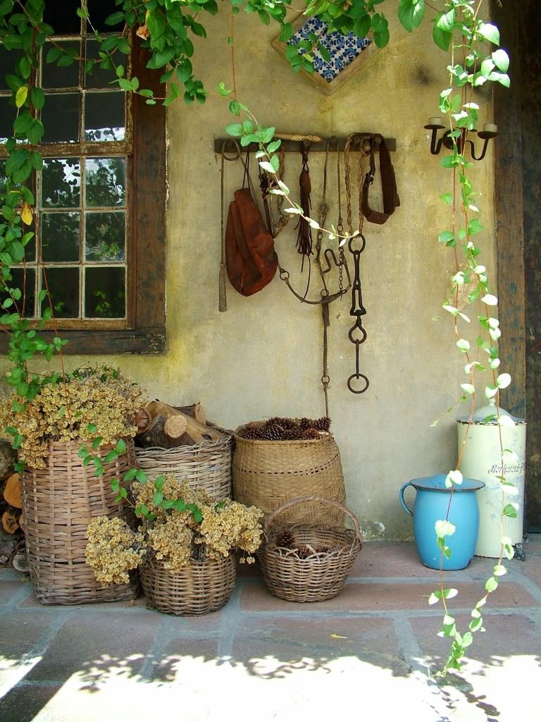 Área de lazer ou mesmo fachada da casa que demonstra muita