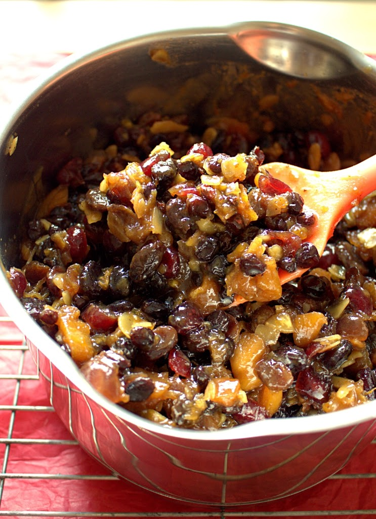 Suet Free Christmas Mincemeat with Whisky and your favourite fruits.