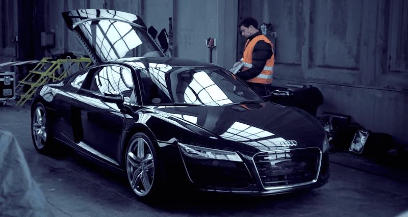幻想的な光の中でスーパーカーがドリフトするカストロールのプロモ映像がスゴい!