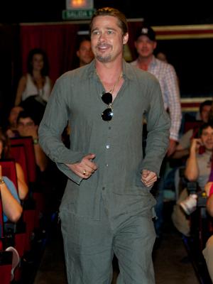 Brad Pitt visita de sorpresa el preestreno de Guerra Mundial Z en Madrid
