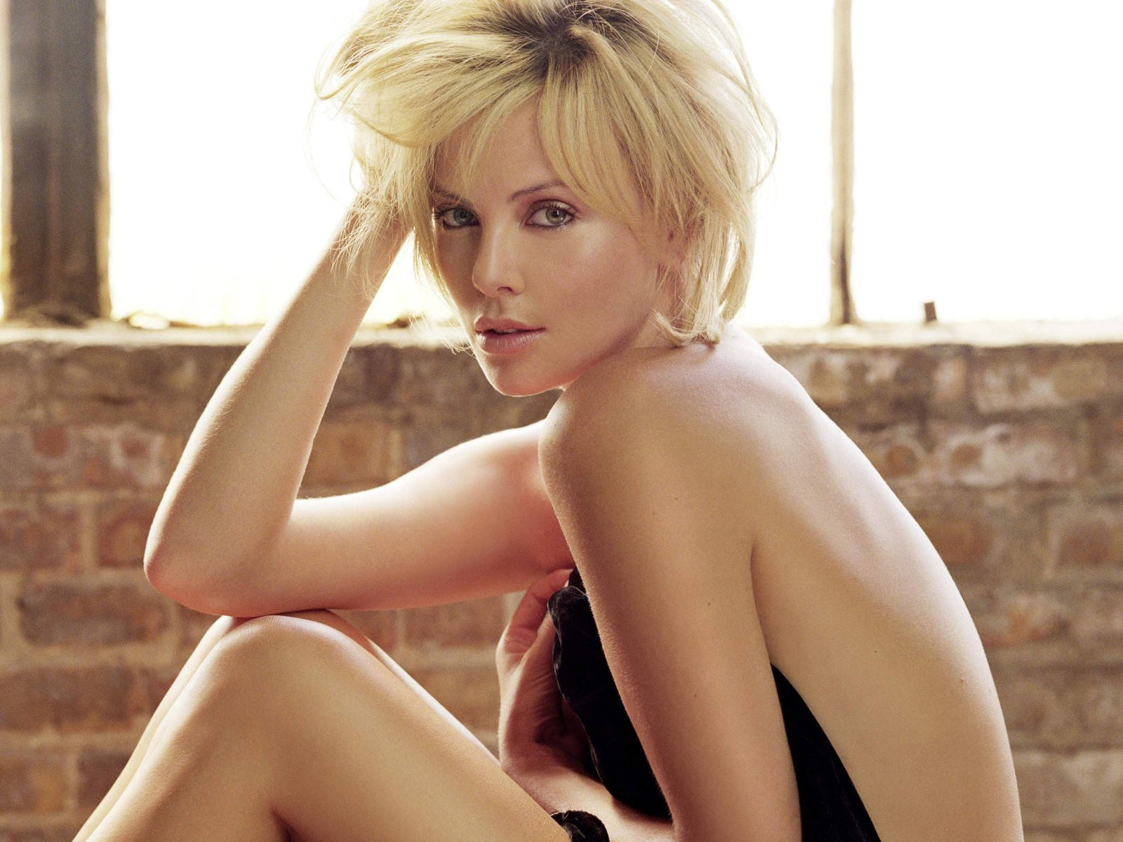 Beautiful celebrities charlize theron nude - Michelle diva futura channel ...