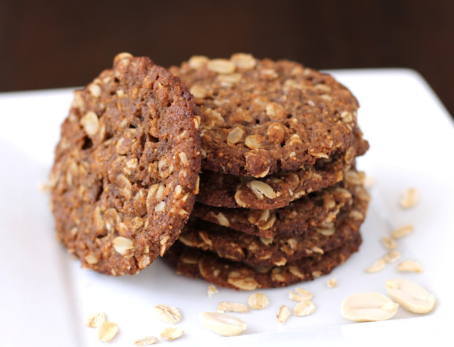 Healthy Thin and Chewy Peanut Butter Oatmeal Cookies