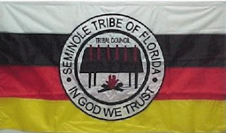Bandoleros, bandidos, sheriff, indios, etc. - Página 5 Bandera-Seminole_article