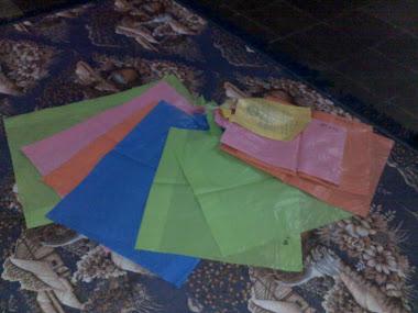 Plastik berbagai ukuran & warna
