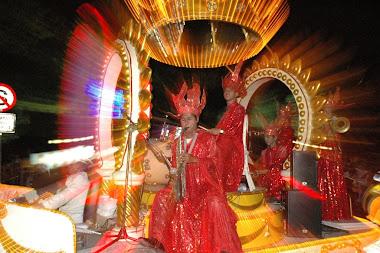 warna warni karnaval