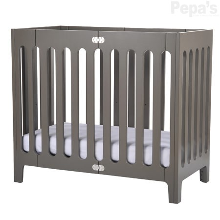 Quai est baby design pour la chambre des tous petits for Berceau table a langer